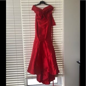 Dresses & Skirts - Summer Red off-the-shoulder evening gown